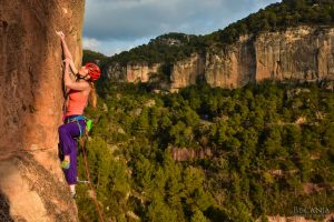 Climbing courses in Spain - sun and rock